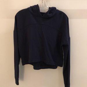Lululemon navy l/s pullover w/ hood sz 8 62915